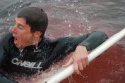 todd endris attacco di squalo delfini salvano surfista